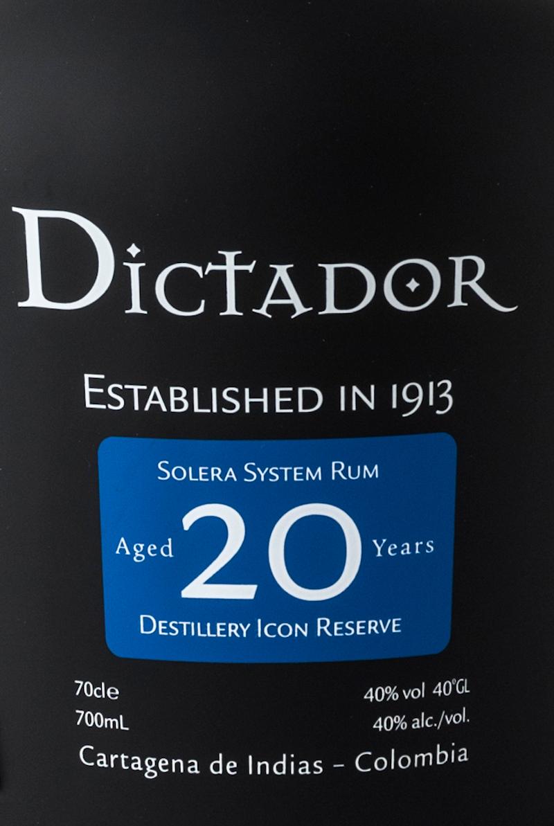 Rum_dictator_20_cl_70_astucciato_etichetta