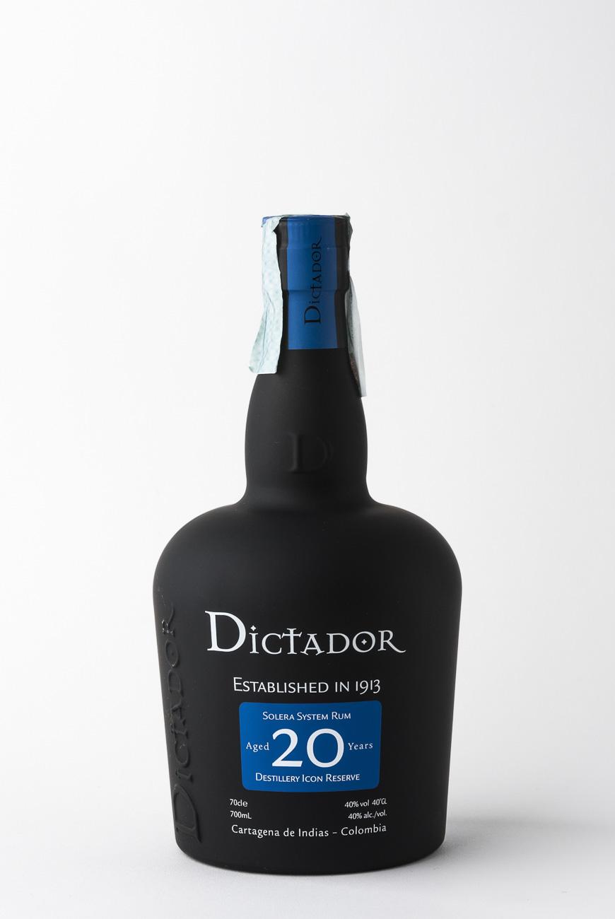 isla_de_rum_17021_rum_dictator_20_cl_70_astucciato_web